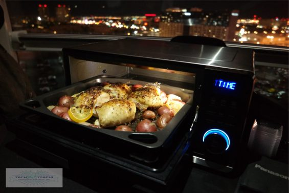 Panasonic's Cooktop Induction Oven: 1 of 7 Smart Home Connected Products from #CES2017 Worth Knowing About on TechSavvyMama.com